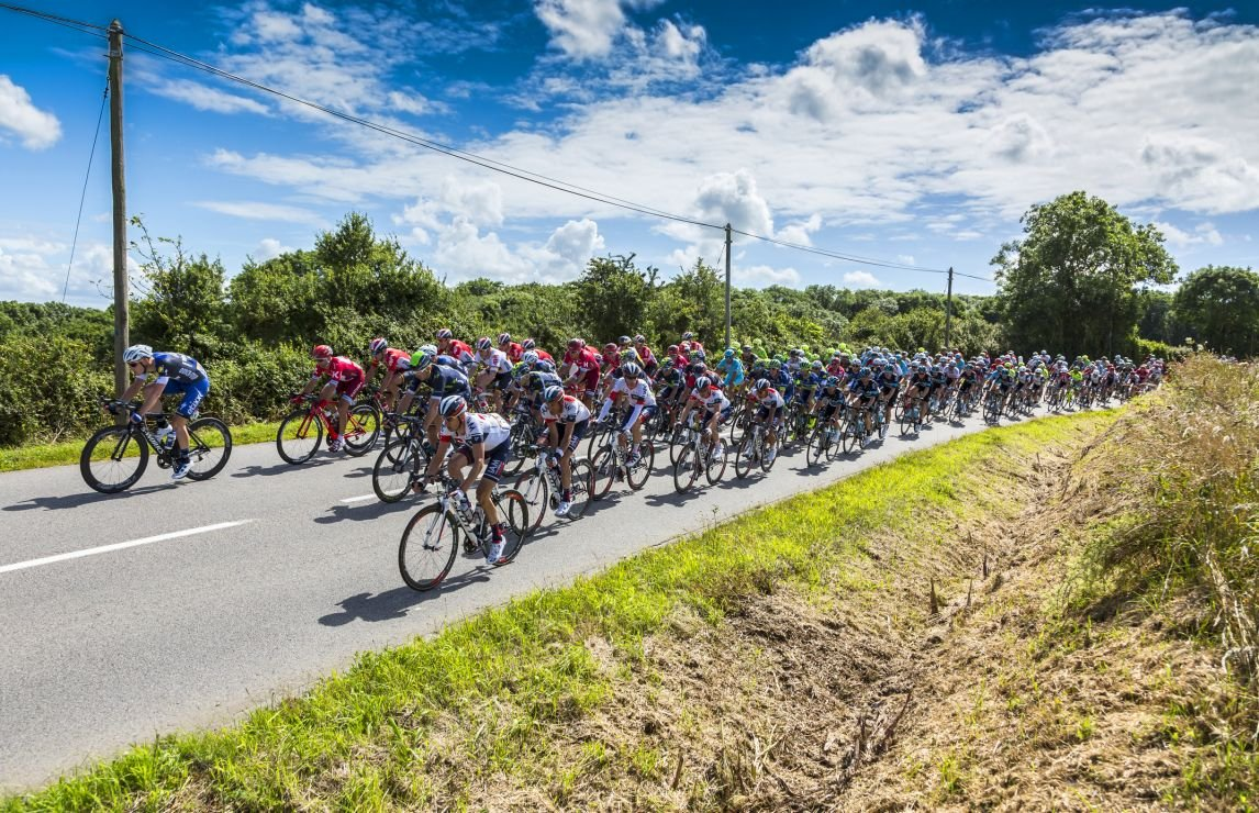 The Tour de France through a glass